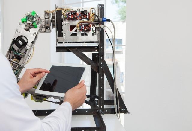 沢井製薬×700品目以上の医薬品情報を学習したチャットボットの導入活用事例|人工知能を搭載した製品・サービスの比較一覧・導入活用事例・資料請求が無料でできるAIポータルメディア