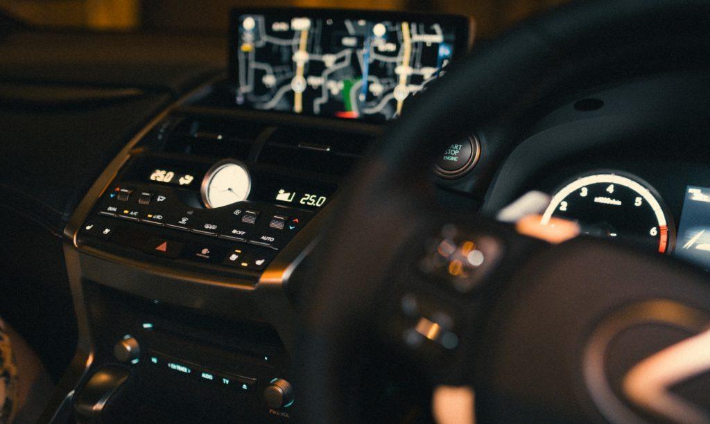自動車×AIなど、異業種間での連携も広がる|チャットボットやWeb接客・RPA等のAI・人工知能製品・サービスの比較・検索・資料請求メディア