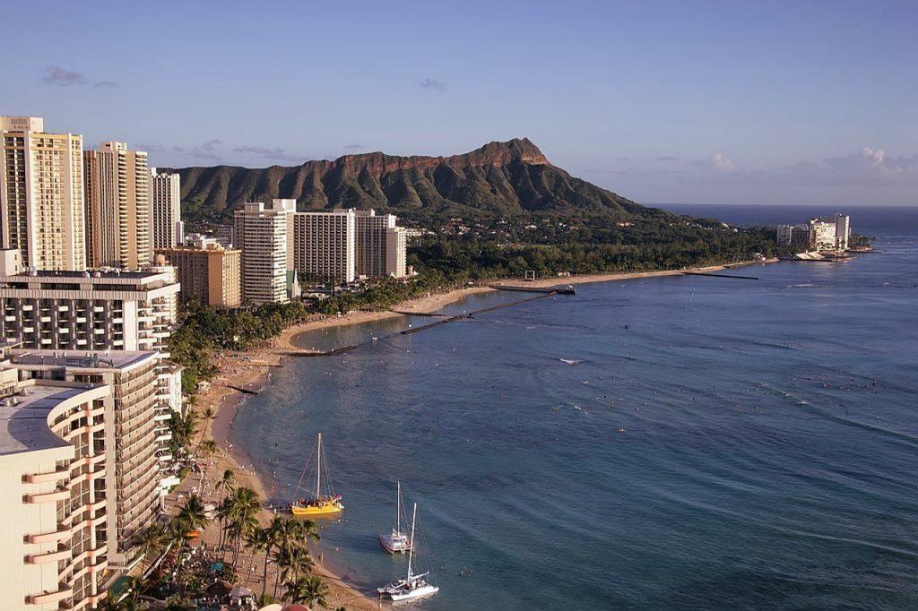 JAL、Watson Assistantでハワイの観光情報などを案内するバーチャルアシスタントを運用|人工知能を搭載した製品・サービスの比較一覧・導入活用事例・資料請求が無料でできるAIポータルメディア