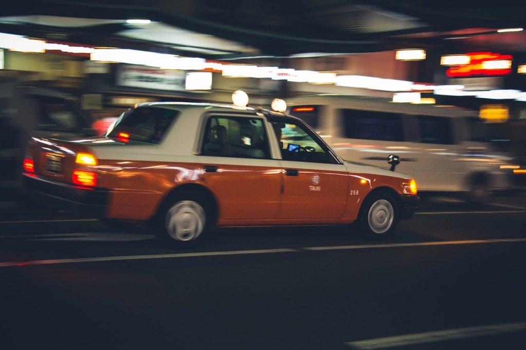 需要予測AIでタクシーの売上増につなげる|人工知能を搭載した製品・サービスの比較一覧・導入活用事例・資料請求が無料でできるAIポータルメディア