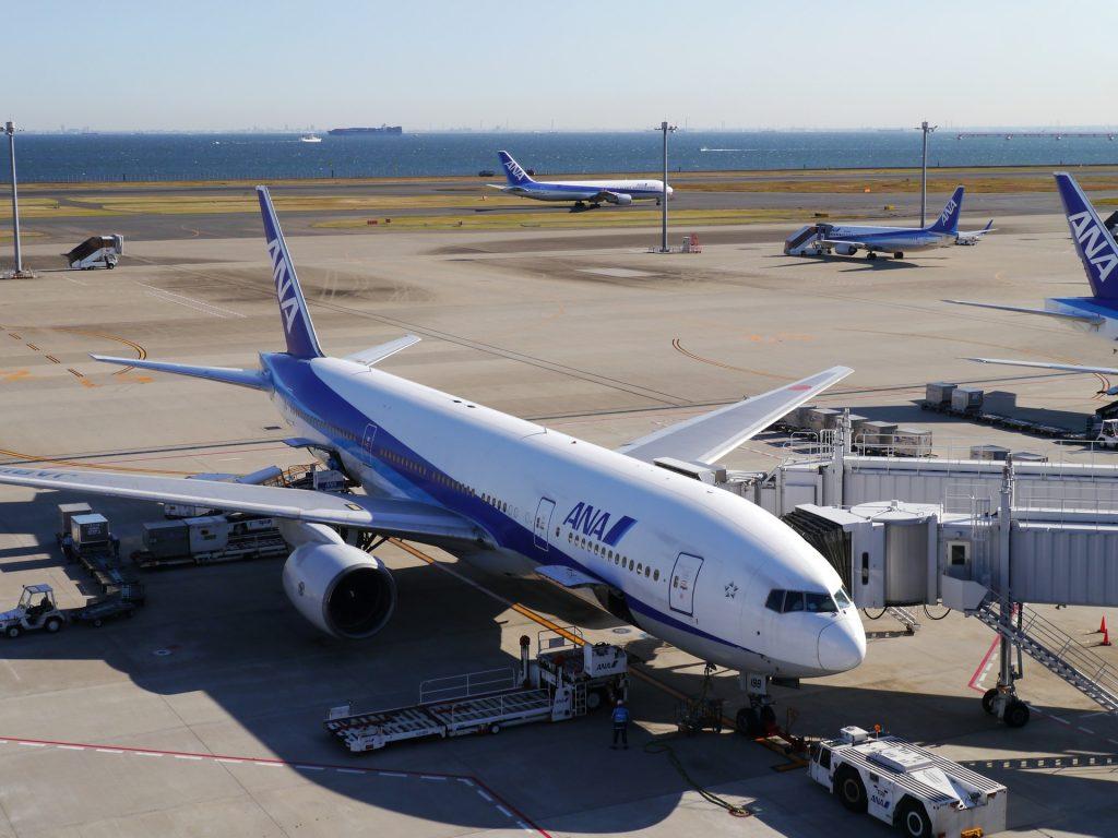 羽田空港×認証ゲートへの画像認識AI導入活用事例|人工知能を搭載した製品・サービスの比較一覧・導入活用事例・資料請求が無料でできるAIポータルメディア