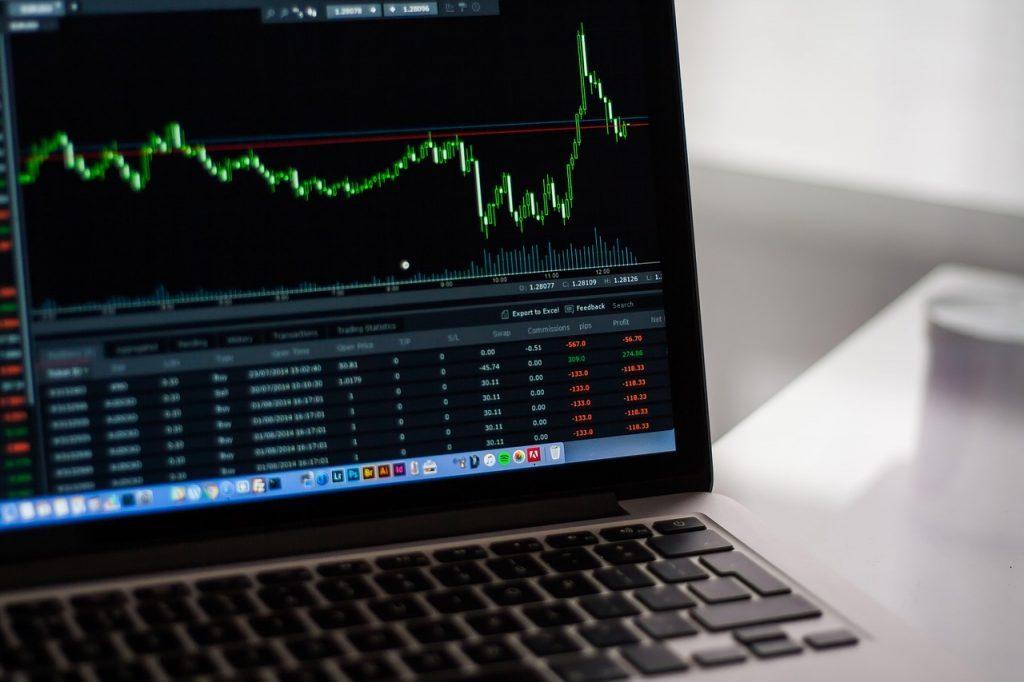 「AIの株価予測」による株取引が主流になる?株価予測アプリも徹底比較|人工知能を搭載した製品・サービスの比較一覧・導入活用事例・資料請求が無料でできるAIポータルメディア