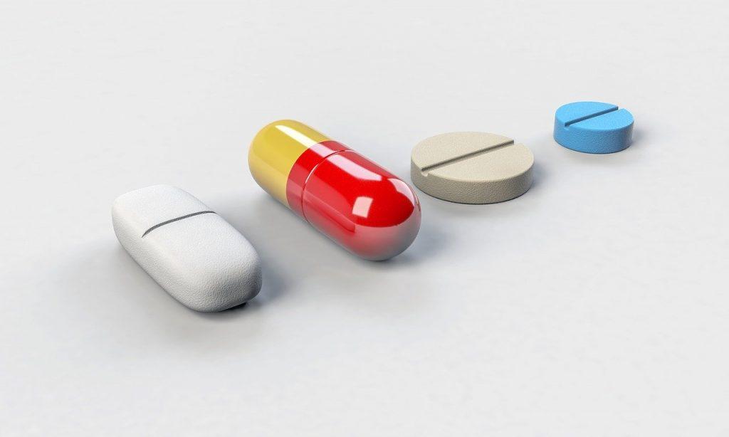 薬剤師の仕事がなくなる?AIの実用化で薬剤師に与える影響とは?|人工知能を搭載した製品・サービスの比較一覧・導入活用事例・資料請求が無料でできるAIポータルメディア
