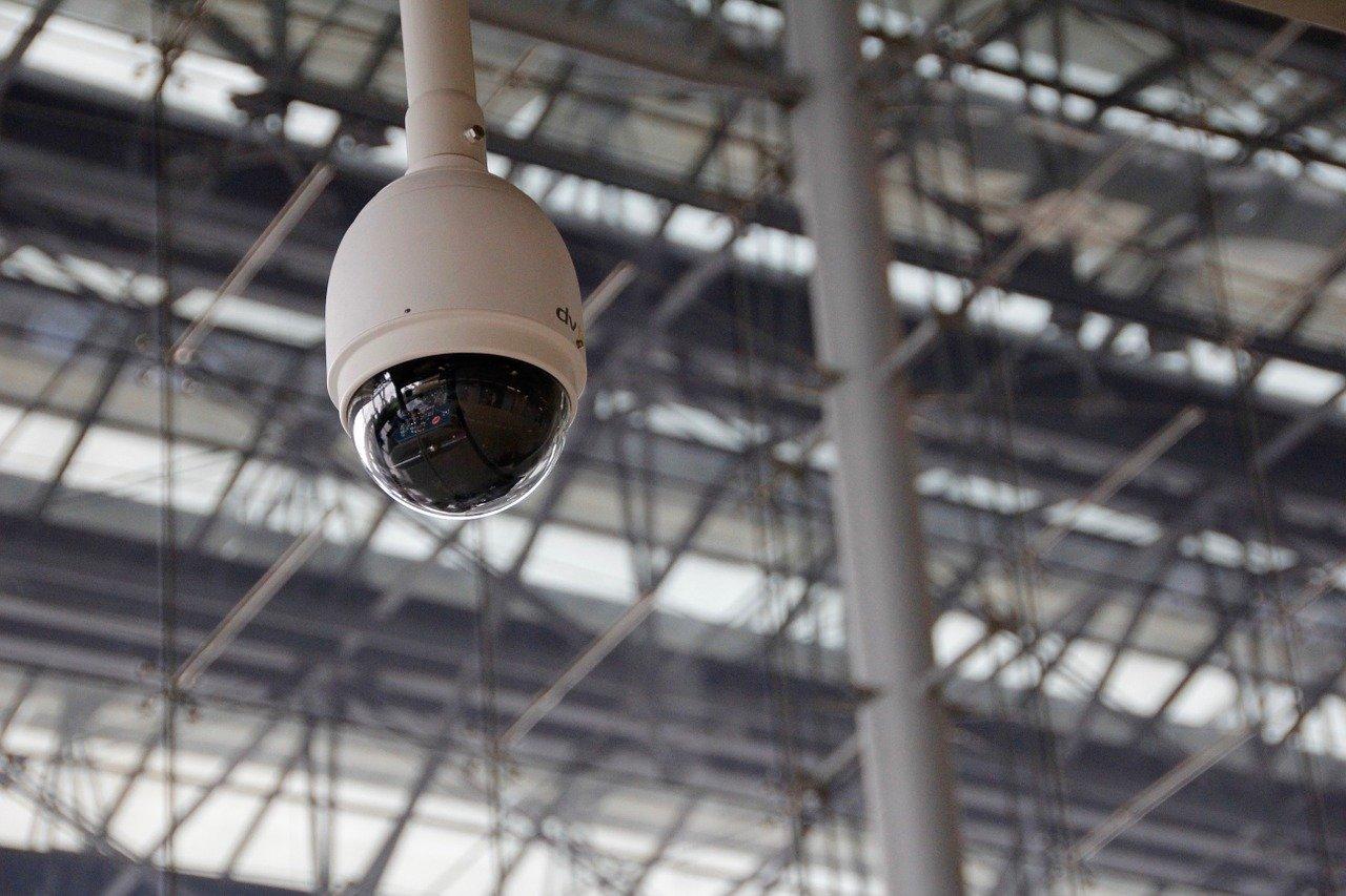 ■3密を回避するAIカメラが新型コロナウイルス対策に貢献|人工知能を搭載した製品・サービスの比較一覧・導入活用事例・資料請求が無料でできるAIポータルメディア